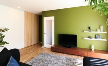 愛知県 東郷町 オーダー家具「緑に映える無垢材リビングボード」