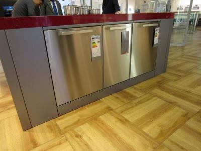 Miele(ミーレ)の食洗機を閉じたところ。見た目もスッキリ。3種類のサイズが埋め込まれています。