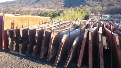 各務原の木材の競市 板材の様子