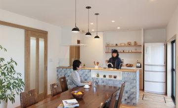増築で実現!夢の広々リビングと対面キッチン|豊明市