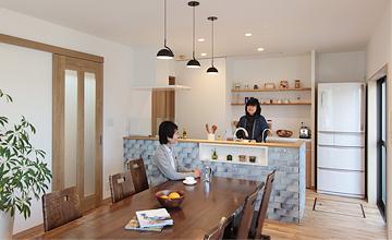リノベーション|広々リビングと対面キッチン|豊明市