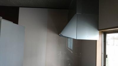 キッチンの改装 換気扇|東郷町諸輪