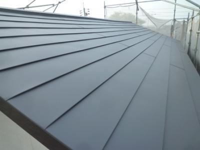 軽い鋼板屋根