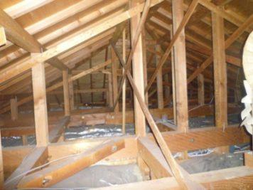 耐震調査:屋根裏
