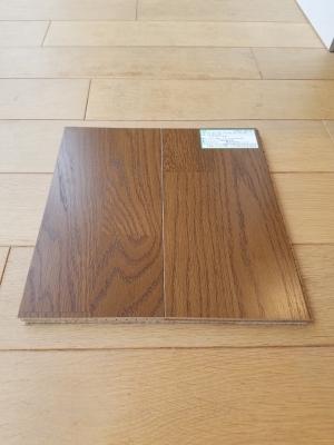 防音対策として床材にクッション材が貼り付けてあります。