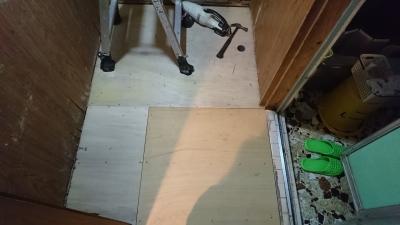 洗面床改装(下地作成)