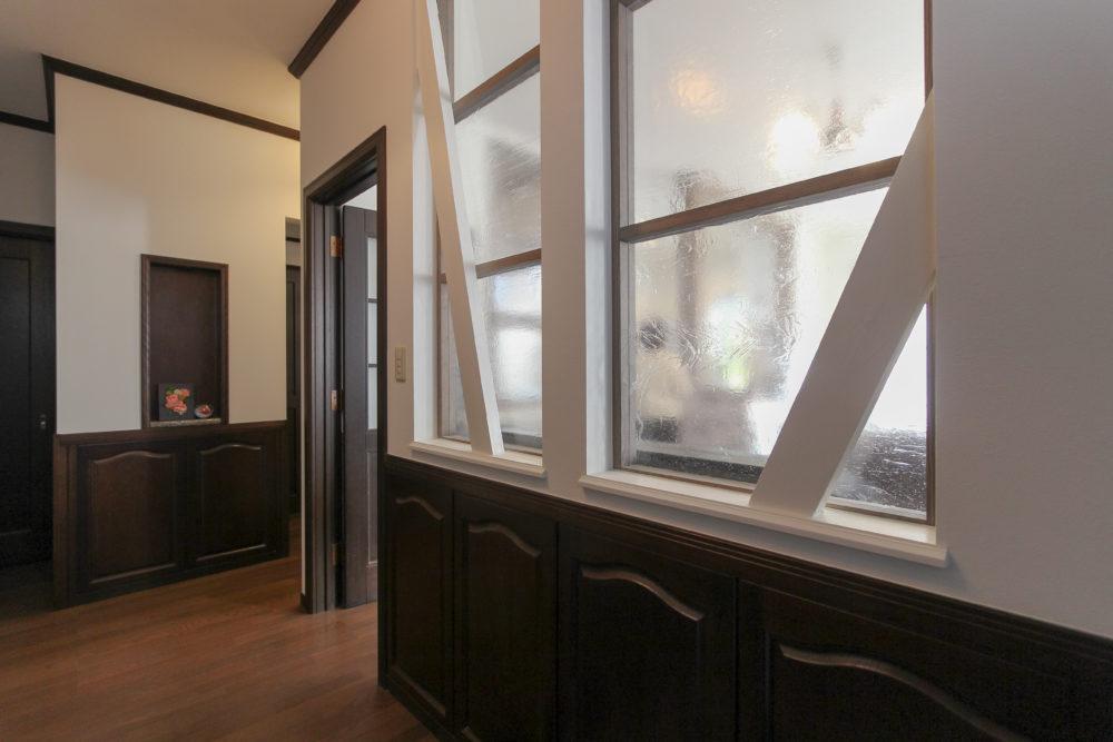 室内窓でお家の奥まで採光