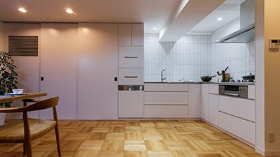 シンプルにすっきりと見せるオーダーキッチン
