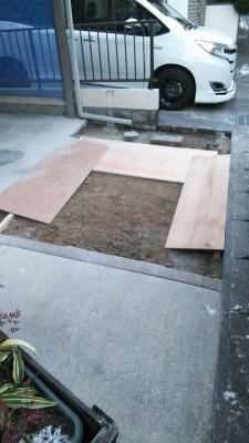 工事中の駐車場