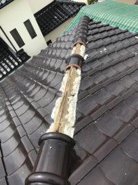 台風被害で屋根の一部が破損。瓦がありません。