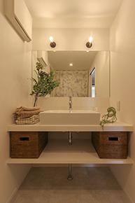 シンプルな洗面スペースだから扱いやすい。名古屋市のマンションリノベーションのサニタリールーム。