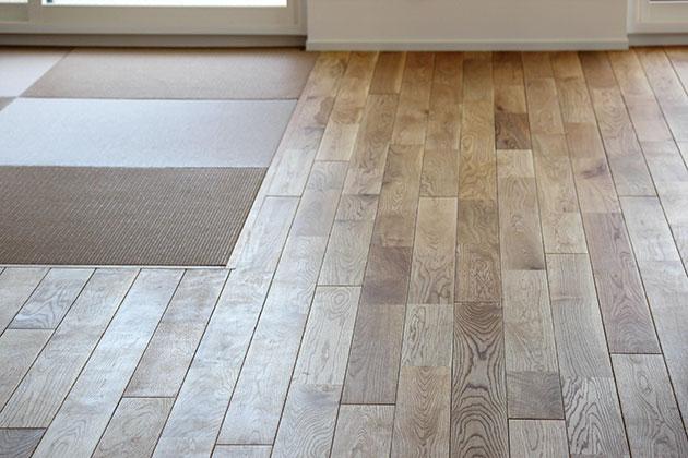 防音性能をクリア。下地加工を施した無垢の床。