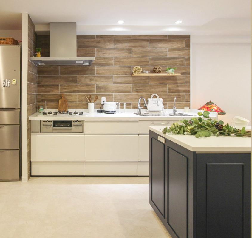 尾張旭市の「大人な雰囲気のマンションリノベーション」キッチン