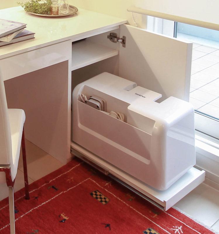 愛知県 みよし市にてオーダー家具(スライド式棚でスムーズに出し入れ)
