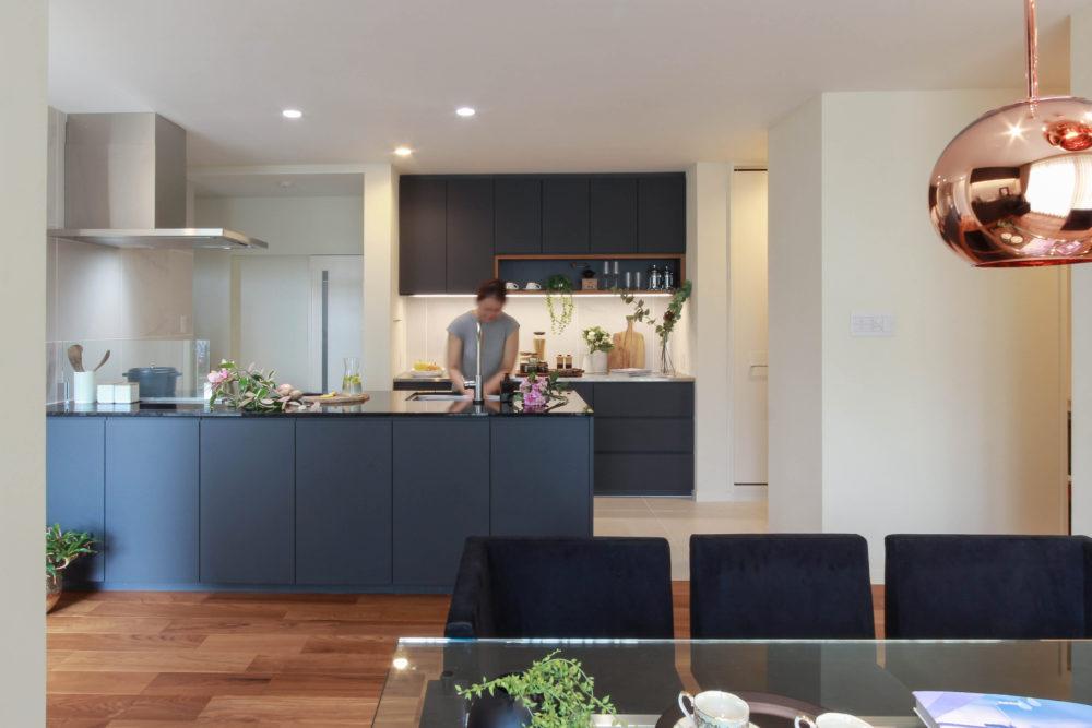 オーダーキッチンと背面収納