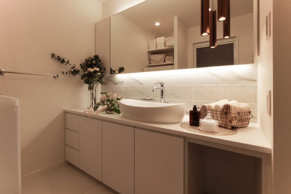 オーダーメイドの洗面だからできる、デザインと機能性を兼ねるサニタリールーム。