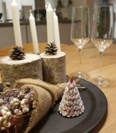 キャンドルと クリスマスツリー