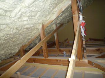 愛知県 みよし市のリフォーム(増築・改装)現場調査:屋根裏