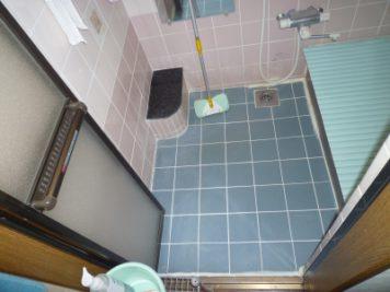 施工前:東郷町のリフォーム:タイル貼りのお風呂からユニットバス