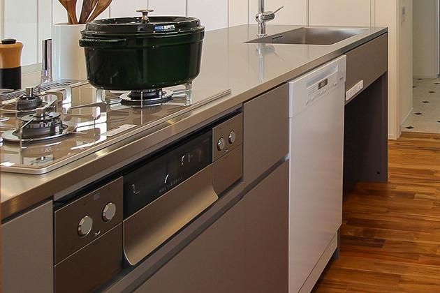 使いやすくてスッキリとしたデザインの オーダーキッチン