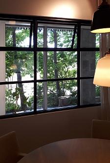 庭の見える部屋