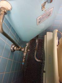 トイレ交換前の止水栓