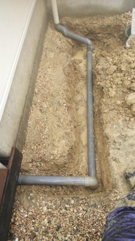 雨水管の接続工事2