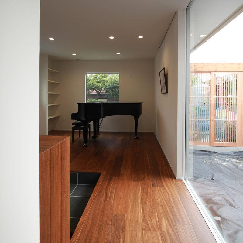 新築・戸建て平屋住宅:グランドピアノのある部屋