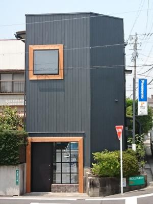 外壁塗装・改装:緑区の映像スタジオ リノベーション:改装後の外観