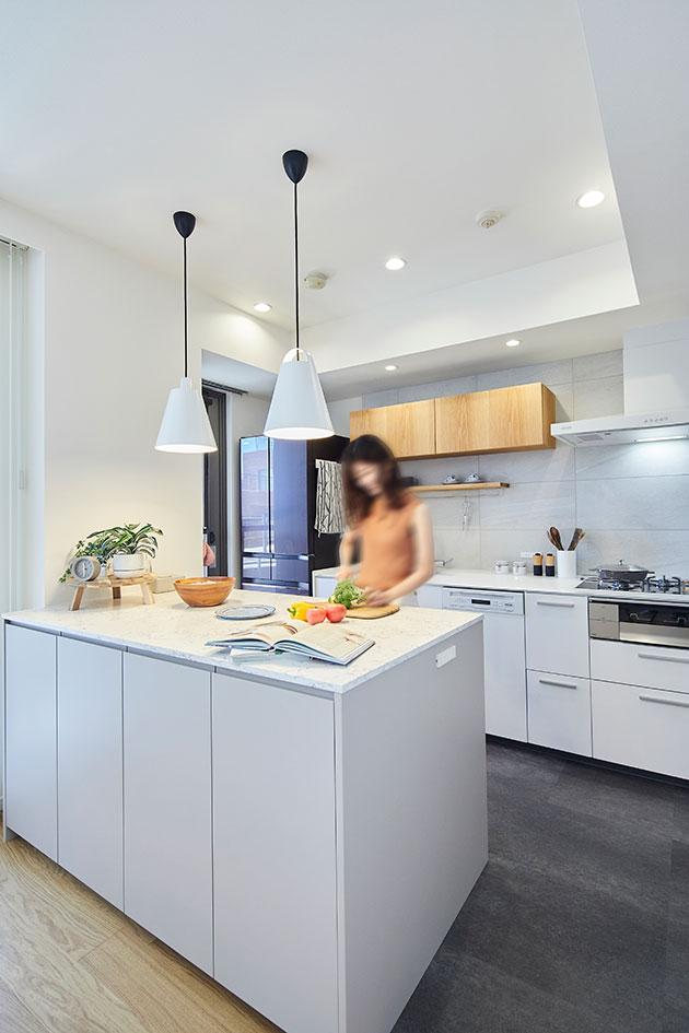 キッチンの天井を高くしたマンションリノベーション