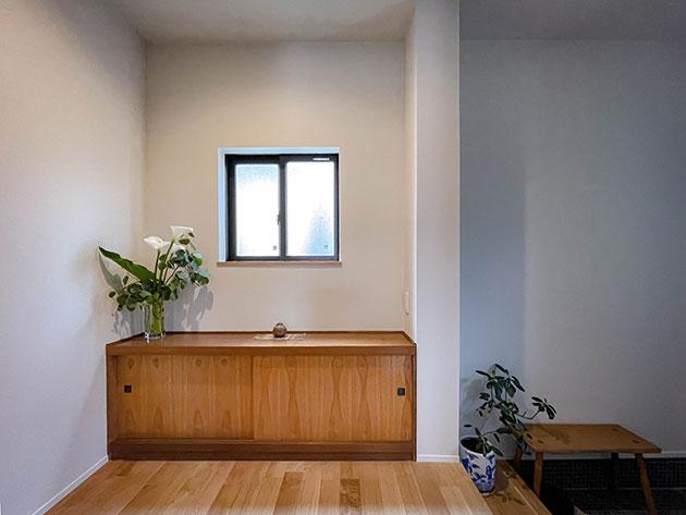 上がり框と地袋のある玄関 和の落ち着きと安らぎ