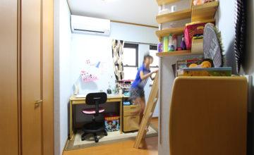 みよし市 リフォーム事例<br>造作のベッドで、8畳の子供部屋を2部屋に間仕切り!