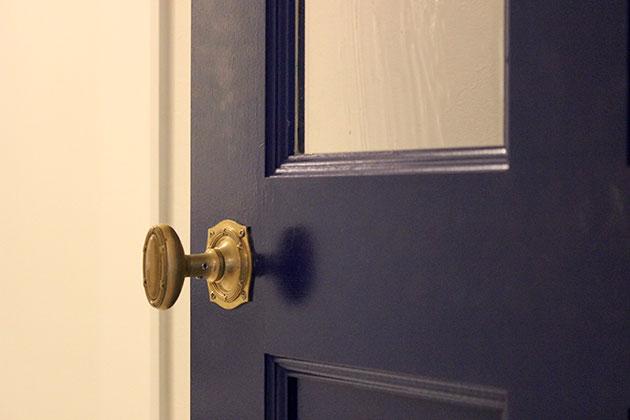 扉の色やドアノブにもこだわりのある名古屋市のマンションリノベーション