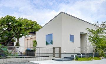 津島市 注文住宅『シンプルモダンな平屋のコートハウス』